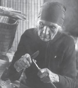 Basket weaver Ellen Paul
